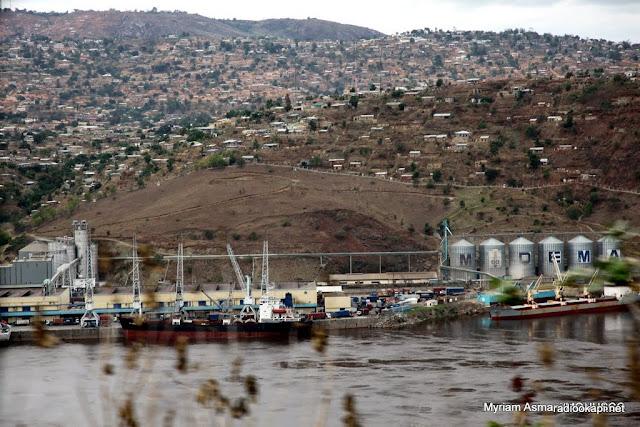 Port de Matadi, novembre 2010.