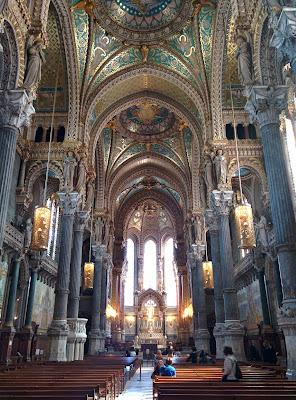 extravagant interior.jpg