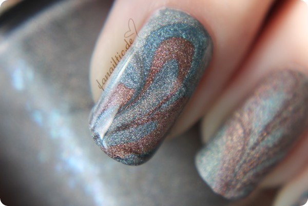 "catrice ""haute future"" LE ""iROSEdescant"" + ""elektrix blue"" + ""gem into the future"" water marble nailart design"