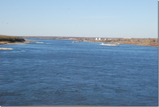 11-23-12 B Travel on I-40 - MS River 008
