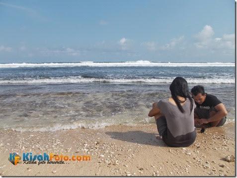 bermain ombak pantai watu kodok_06