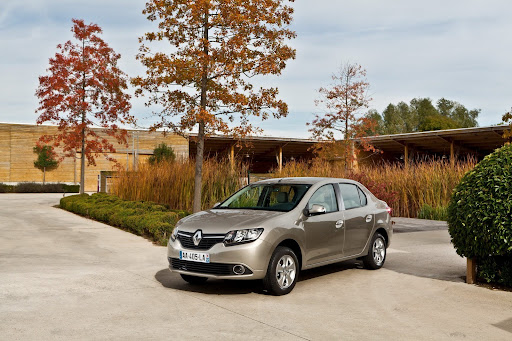 2013-Renault-Symbol-06.jpg