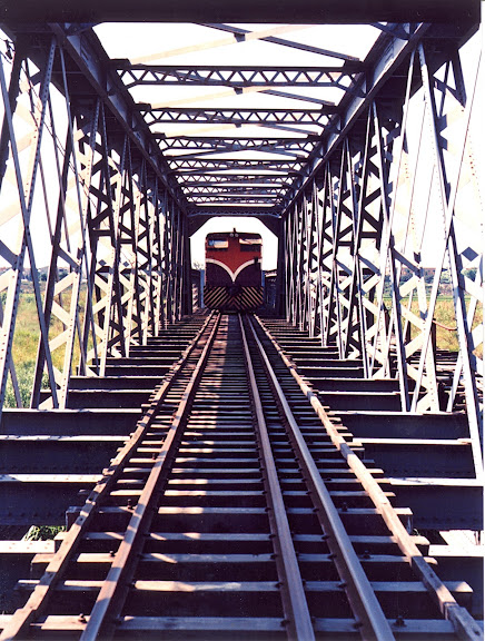 虎尾鐵橋與五分車
