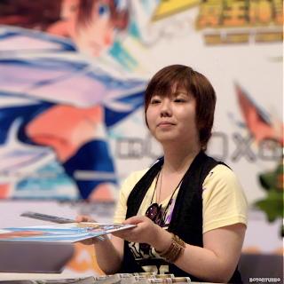 Shiori Teshirogi al fin consigue trabajo!, fuera de Saint Seiya