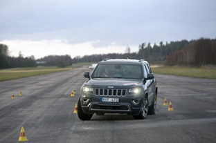 gl_algtest-jeep-grand-cherokee001