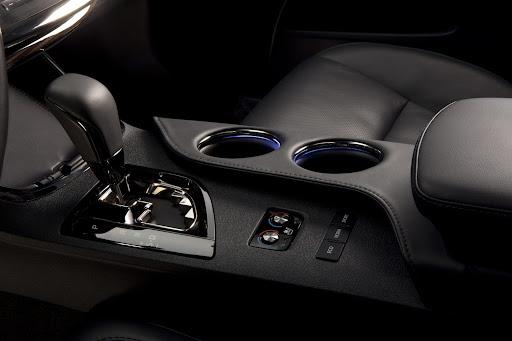 2013-Toyota-Avalon-08.jpg