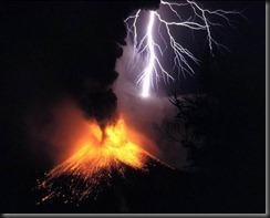 400px-Volcano-lightning
