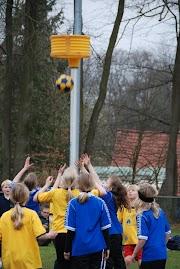 Schoolkorfbaltoernooi ochtend 17-4-2013 220.JPG