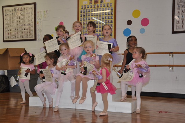 [ballet%2520cookies%2520and%2520class%2520party%2520051313%2520%252825%2529%255B3%255D.jpg]