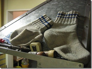 Woolen_socks_drying