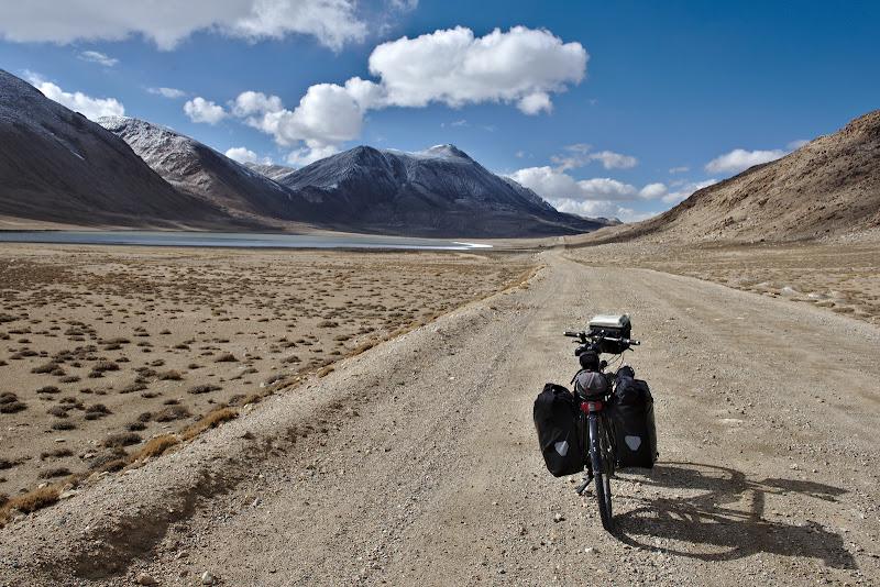 Drum drept spre pasul de 4300 de metri.