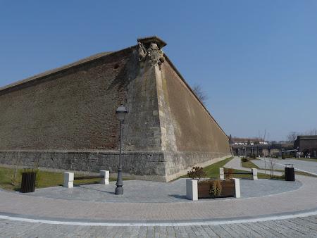 Cetate Alba Iulia: zidurile cetatii