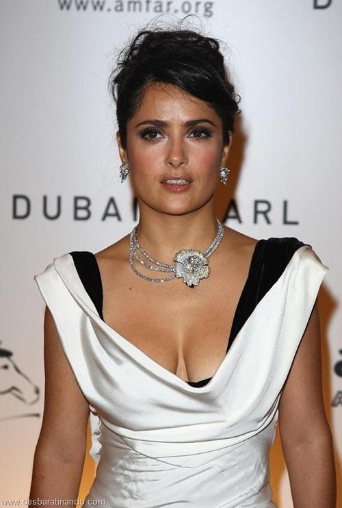 salma hayek linda sensual sexy sedutora gostosa peituda boob tits desbaratinando  (24)