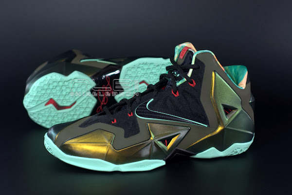 LEBRON 11 Breakdown Yes it8217s True to Size amp Yes it8217s the Lightest LBJ Sig