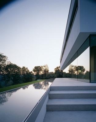 piscina-casa-minimalista-P-Philipp Architekten