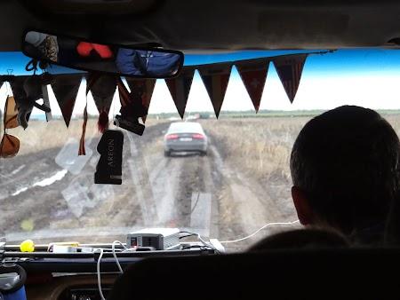 Basarabia - Drumul Vinului. Pe drumuri desfundate