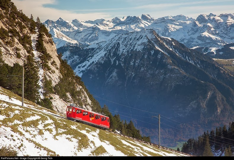 pilatus-cogwheel-railway-1
