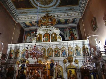 30. Altar manastire.JPG