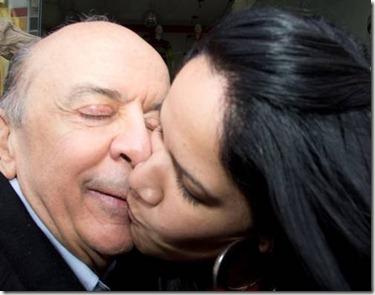 Serra leva beijo na boca