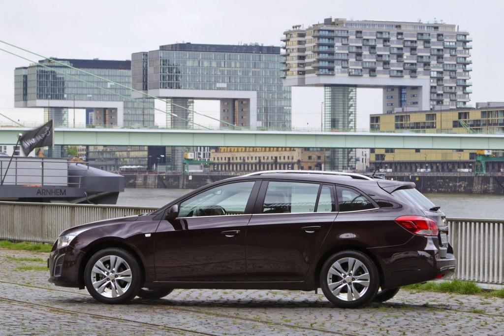 2013-Chevrolet-Cruze-Facelift-16.jpg?imgmax=1800