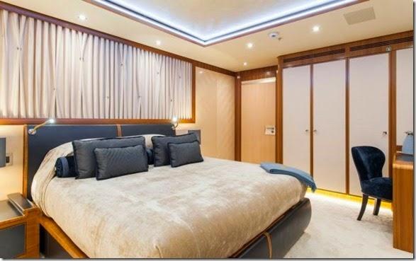 yacht-rental-rich-026