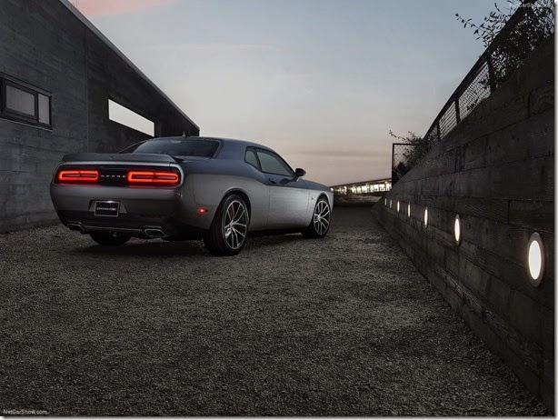 Dodge-Challenger_2015_1600x1200_wallpaper_0e