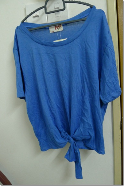 cropped blue top