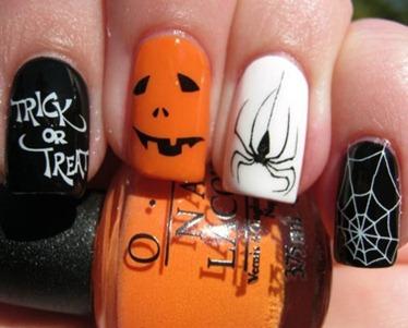 Halloween-nail-art-.-