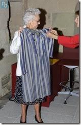 Mme Giraudeau confie sa tenue de déportée au Musée d'Histoire de Nantes