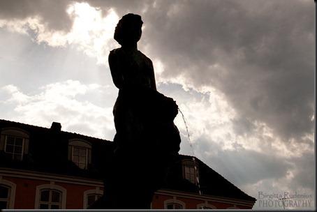 statue_20120515_spring