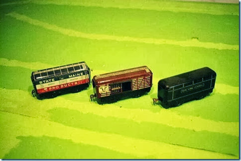 Marx #4489 BAR 6-in Boxcar & #59 6-in UP Stock Car & NYC Wa