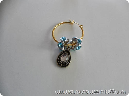 Wine Glass Charms at www.SumosSweetStuff.com - Perfect for holiday entertaining, or a great hostess gift! #turkeytablescapes