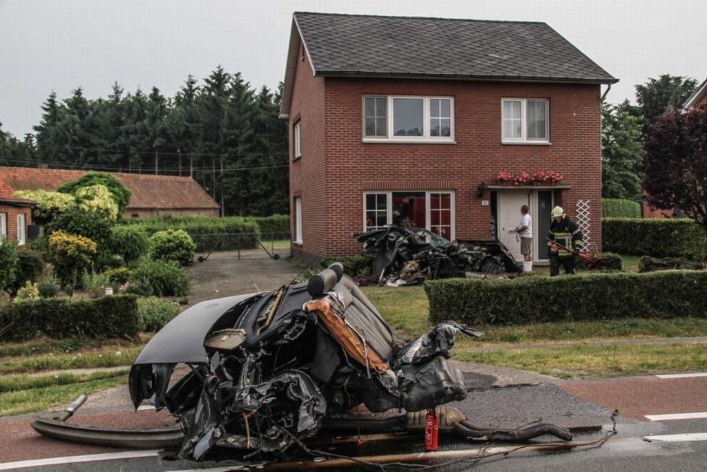 Audi-S8-Accident-1%25255B2%25255D.jpg