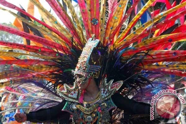carnaval-budaya-pawai-budaya-kota-madiun-jatim-22-juni-2012