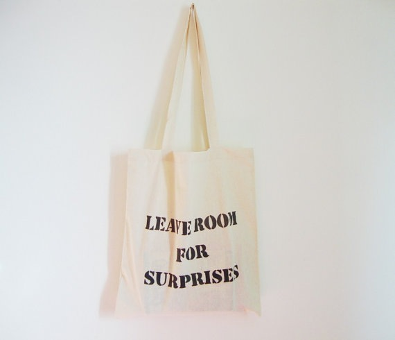 leave room for surprises 3 Ptice tote bag