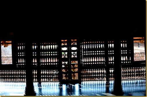 padmanabha palace -light