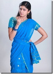 pranitha-in blue saree