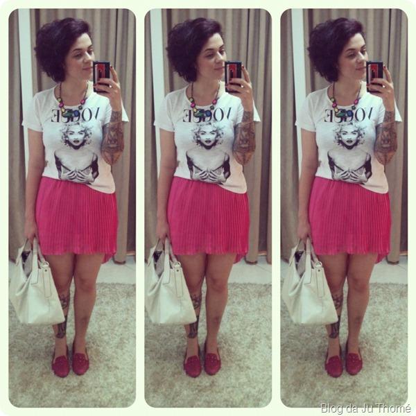 look saia mullet plissada pink e camiseta VOGUE