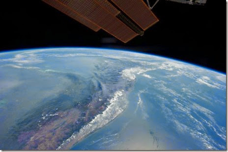 earth-space-200-miles-022