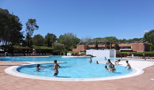 Una de les piscines del Tamarit Park Resort