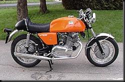 Laverda750