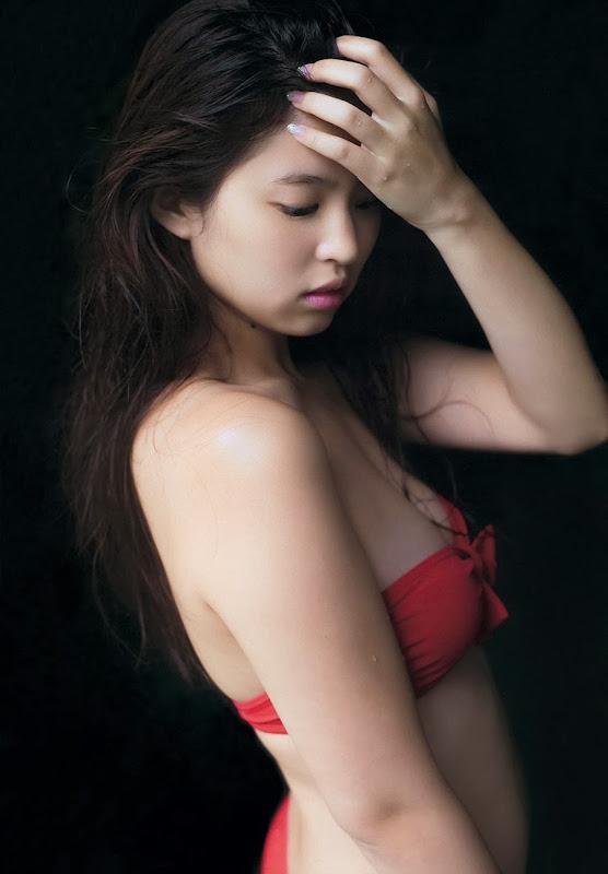 Nishizaki_Rima_Weekly-playboy-magazine_gravure_04