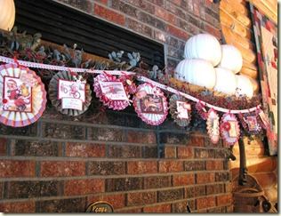 Lisa-Christmas_garland