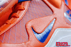 nike air max lebron 7 pe hardwood orange 4 06 Yet Another Hardwood Classic / New York Knicks Nike LeBron VII