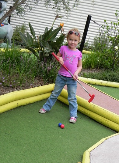 Mini Golf 3 - Kids in the Park