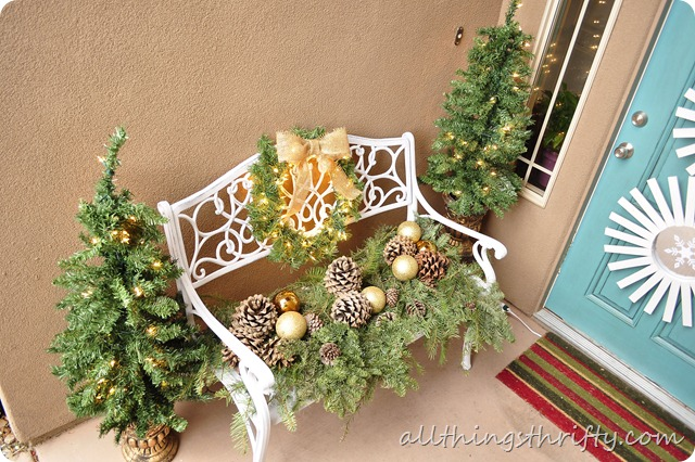 outdoor christmas entryway