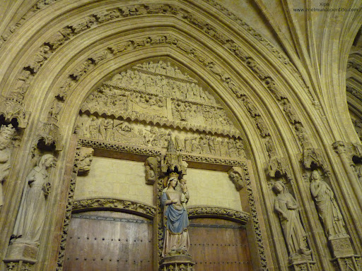 portico-catedral-de-vitoria.JPG