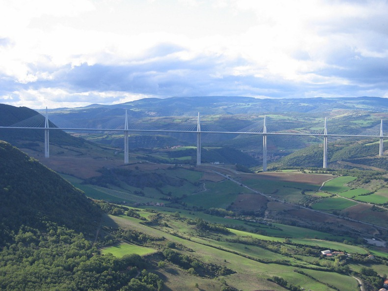 millau-viaduct-1