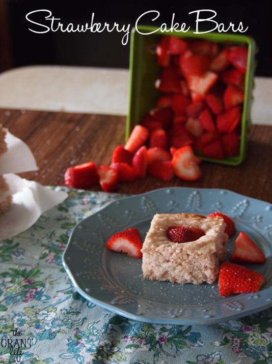 Strawberry-cake-bars