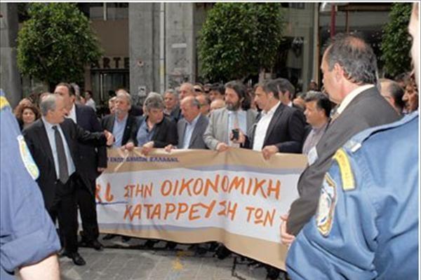 Στους δρόμους οι δήμαρχοι – κλειστοί οι Δήμοι Τρίτη και Τετάρτη